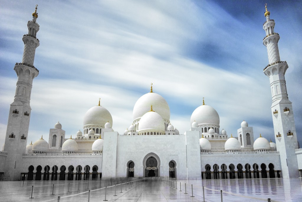 sheikh-zayed-grand-mosque-in-abu-dhabi