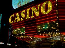 5 Reasons to play casino online